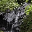 大鳥居前の滝(仮称)